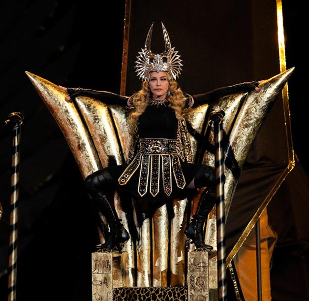 Madonna-Super-Bowl-Throne-Goddess